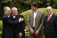 SAO PAULO, SP, 18 JUNHO 2012 - APOIO MALUF AO PT - Deputado federal Paulo Maluf (PP) recebeu nesta segunda-feira (18) o pré-candidato do PT à Prefeitura de São Paulo, Fernando Haddad, o ex-presidente Luiz Inácio Lula da Silva e Rui Falcao presidente do PT (e), em sua casa em São Paulo. Maluf oficializou o apoio de seu partido à candidatura do petista. FOTO: ADRIANA SPACA - BRAZIL PHOTO PRESS.