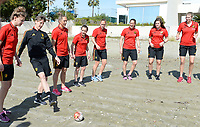 20180302 - LARNACA , CYPRUS : illustration picture shows a Muscular warm up training session on the beach before a women's soccer game between The Belgian Red Flames and Spain , on friday 2 March 2018 on the CTO Beach in Larnaca , Cyprus . The game will be the second game in group B for Belgium during the Cyprus Womens Cup , a prestigious women soccer tournament as a preparation on the World Cup 2019 qualification duels. PHOTO SPORTPIX.BE | DAVID CATRY
