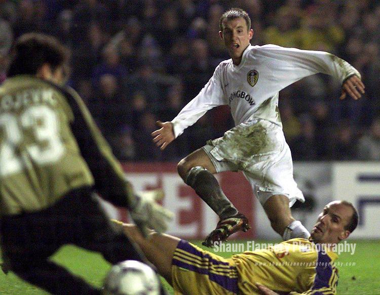Pix, Shaun Flannery\SWPIX. UEFA Champions League.<br />Leeds United v RSC Anderlecht,13/02.2001.<br /><br />COPYRIGHT PICTURE&gt;&gt;SIMON WILKINSON&gt;&gt;01943 - 436649&gt;&gt;<br /><br />Lee Bowyer beats Anderlecht keeper Zvonko Milojevic, to score Leeds winner.
