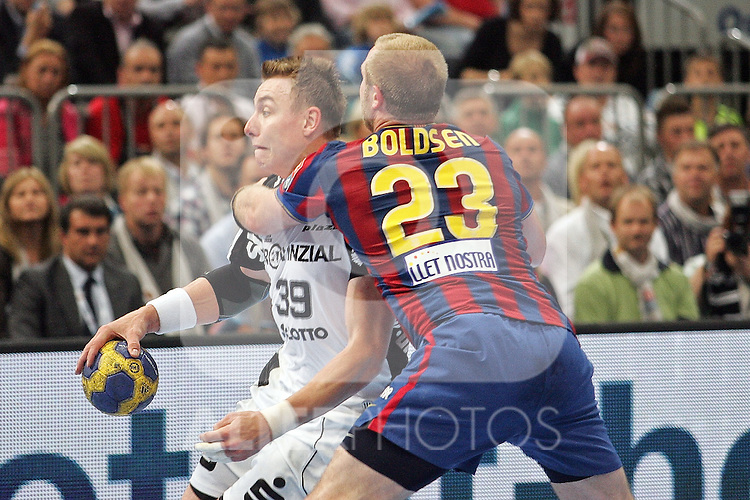 30.05.2010, Lanxess Arena, Koeln, GER, EHF Final Four, Finale ,Barcelona FC ( ESP ) vs THW Kiel ( GER ) im Bild: Filip JICHA ( Kiel #39 ) gegen Joachim BOLDSEN ( Barcelona #23 )  Foto © nph /  Florian Mueller