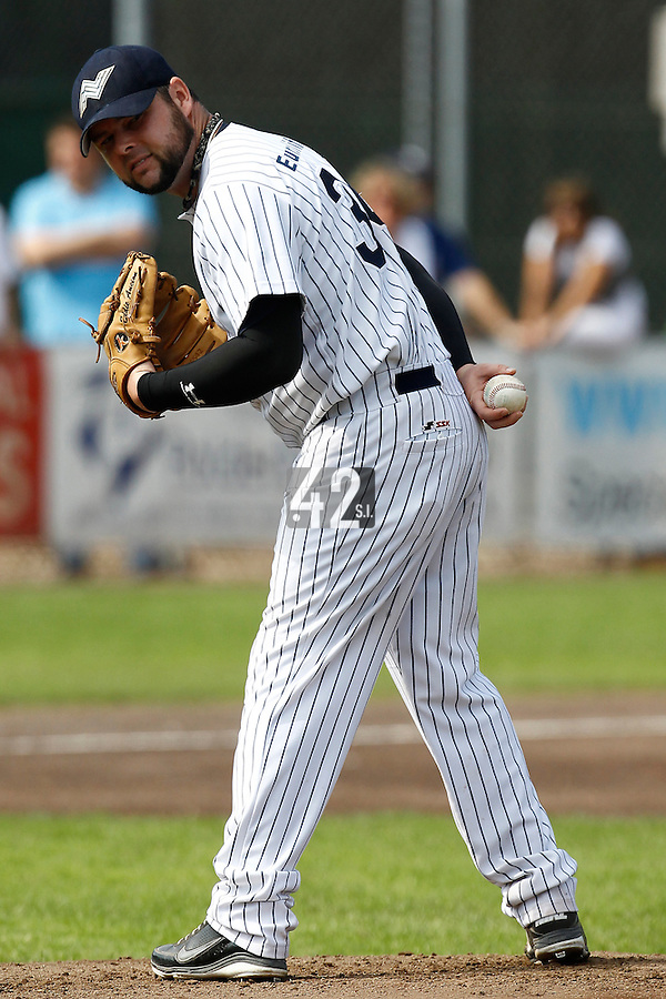 03 September 2011: Eddie Aucoin of the Vaessen Pioniers pitches against L&D Amsterdam Pirates during game 1 of the 2011 Holland Series won 5-4 in inning number 14 by L&D Amsterdam Pirates over Vaessen Pioniers, in Hoofddorp, Netherlands.