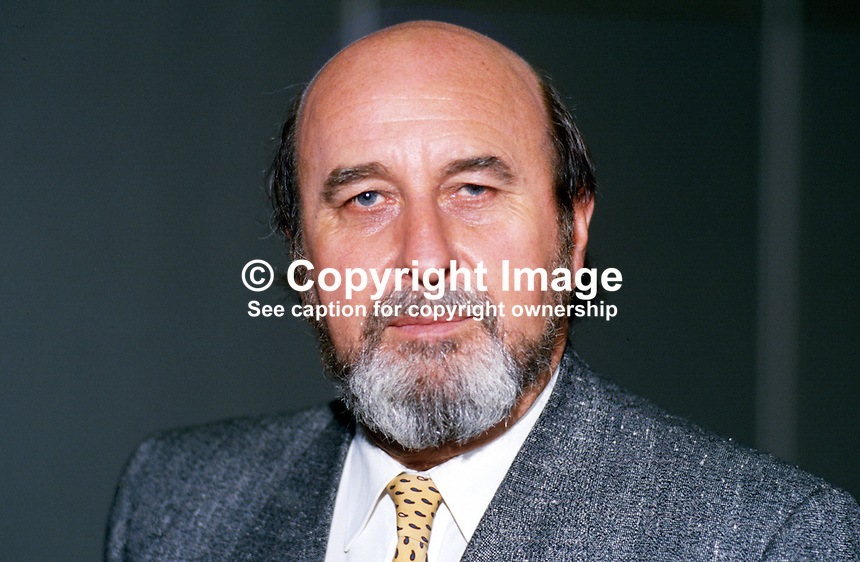 Tom Pendry, MP, Labour Party, UK, 19870944TP..Copyright Image from Victor Patterson, 54 Dorchester Park, Belfast, UK, BT9 6RJ..Tel: +44 28 9066 1296.Mob: +44 7802 353836.Voicemail +44 20 8816 7153.Skype: victorpattersonbelfast.Email: victorpatterson@me.com.Email: victorpatterson@ireland.com (back-up)..IMPORTANT: If you wish to use this image or any other of my images please go to www.victorpatterson.com and click on the Terms & Conditions. Then contact me by email or phone with the reference number(s) of the image(s) concerned.