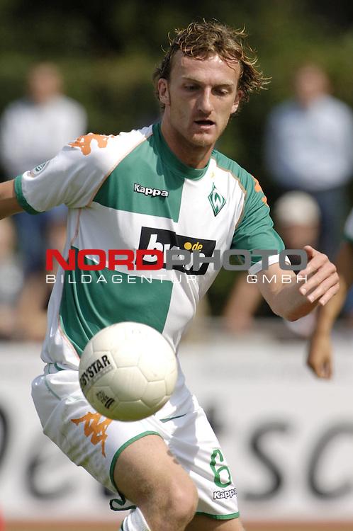 RLN 2006/2007 - 3.Spieltag Hinrunde; Werder Bremen II - BSV Kickers Emden;<br /> Werder-Spieler Dominic Peitz<br /> <br /> Foto &copy; nordphoto