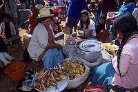 Amérique/Amérique du Sud/Pérou/Urubamba : Déjeuner sur le marché