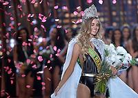 SAO PAULO, SP, 18.11.2015 - MISS BRASIL 2015: Candidata Marthina Brandt do Rio Grande do Sul (RS) (à direta) é eleita a Miss Brasil 2015 após vencer o concurso realizado na noite desta quarta-feira (18) no Citibank Hall em São Paulo. Ela representará o Brasil no Miss Universo, que será realizado em La Vegas em dezembro deste ano. (Foto: Levi Bianco/Brazil Photo Press)