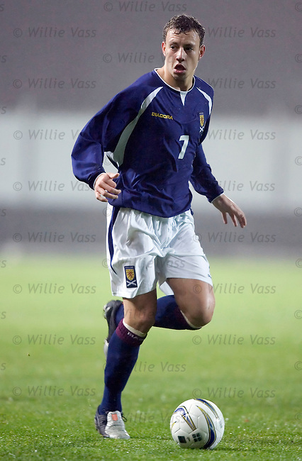 Alan Hutton, Scotland u21.stock season 2004-2005.pic willie vass
