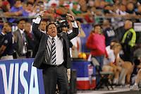 Miguel Herrera during the friendly match between the Mexican Football Sleeccion Vs United States at the University of Phoenix stadium . final score Mexico 2 - USA 2.  2 Abril 2014 in Phoenix Arizona<br /> ********<br /> Miguel Herrera , Piojo,   durante el partido amistoso entre  la Selección Mexicana Vs Estados Unidos en Estadio de la Universidad de Phoenix.<br /> marcador final Mexico 2 - USA 2.  2 Abril 2014 in Phoenix Arizona<br /> Copyright.©LuisGutierrez
