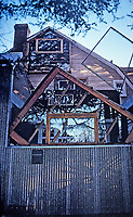 Frank Gehry, Architect. Gehry's House, Santa Monica, 1978. Deconstructivist, Post-Modern. Corrugated materials.