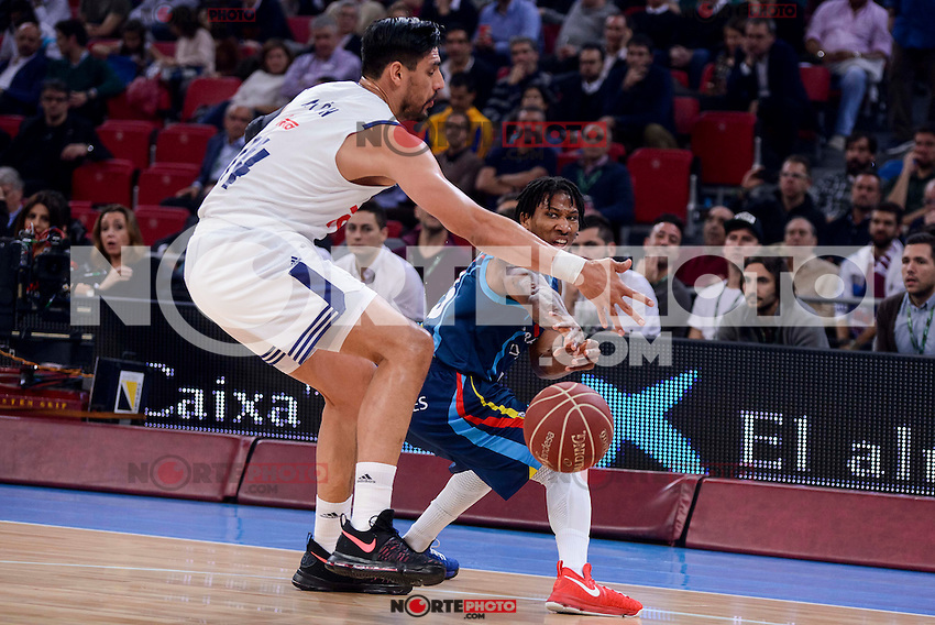 Real Madrid's Gustavo Ayon and Morabanc Andorra's Andrew Albicy during Quarter Finals match of 2017 King's Cup at Fernando Buesa Arena in Vitoria, Spain. February 16, 2017. (ALTERPHOTOS/BorjaB.Hojas) /Nortephoto.com