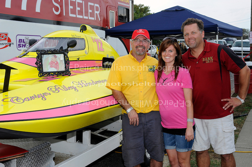 "Mike Hofhine, Cinnamon and Kent Henderson, S-12 ""Liquid Lizard"" National High Point Champion  (2.5 Litre Stock hydroplane(s)"