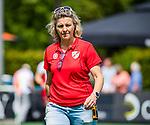 BLOEMENDAAL - coach Ageeth Boomgaardt (MOP)  tijdens de tweede Play Out wedstrijd hockey dames, Bloemendaal-MOP (5-1)  COPYRIGHT KOEN SUYK