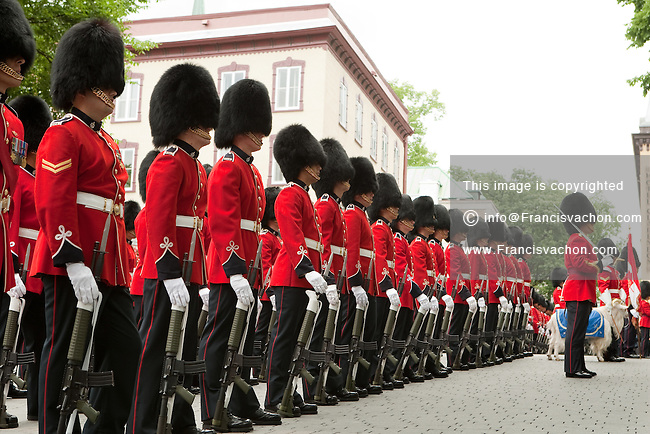 Royal 22e Regiment members in parade dress are lined during Canada day raise of the flag event in Quebec City July 1, 2010. Nicknamed Van Doos in English, the Royal 22e Regiment is an infantry regiment and the most famous francophone organization of the Canadian Forces.