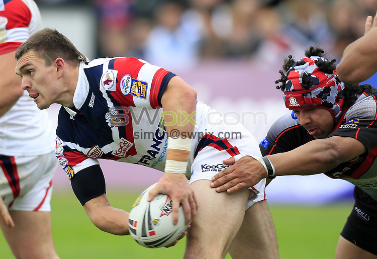 Pix: Chris Mangnall/SWpix.com, Rugby League, Carnegie Challenge Quarter Final. 01/06/08.  Wakefield Wildcats v Oldham Roughyeds....picture copyright>>Simon Wilkinson>>07811267 706>>....Wakefield's Danny Brough tackled by Oldham's Marcus St Heilaire