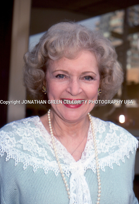 Betty White 1987 By Jonathan Green