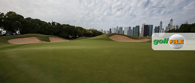 1st green at The Address Montgomerie Golf Club, Dubai, United Arab Emirates.  27/01/2016. Picture: Golffile | David Lloyd<br /> <br /> All photos usage must carry mandatory copyright credit (&copy; Golffile | David Lloyd)