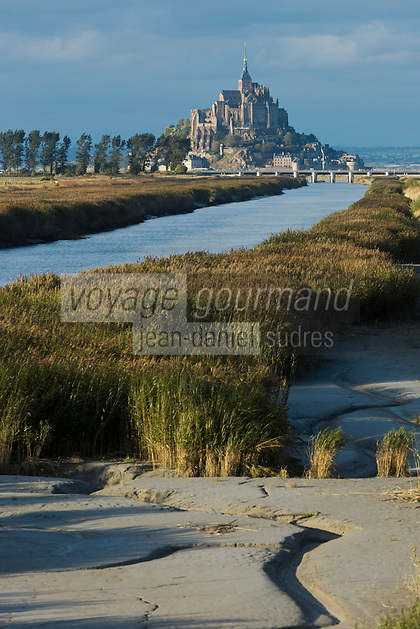 France, Manche (50), Mont Saint-Michel, classé Patrimoine Mondial de l'UNESCO, et le Couesnon //  France, Manche, Mont Saint Michel, listed as World Heritage by UNESCO, and the Couesnon River