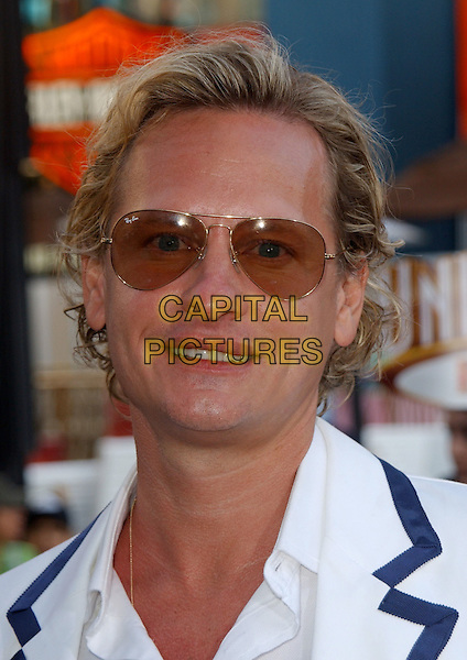 """CARSON KRESSLEY.At Universal Pictures' World Premiere of """"The Perfect Man"""" held at Universal City Walk in Universal City, California, USA,.June 13th 2005..portrait headshot sunglasses.Ref: DVS.www.capitalpictures.com.sales@capitalpictures.com.©Debbie VanStory/Capital Pictures"""