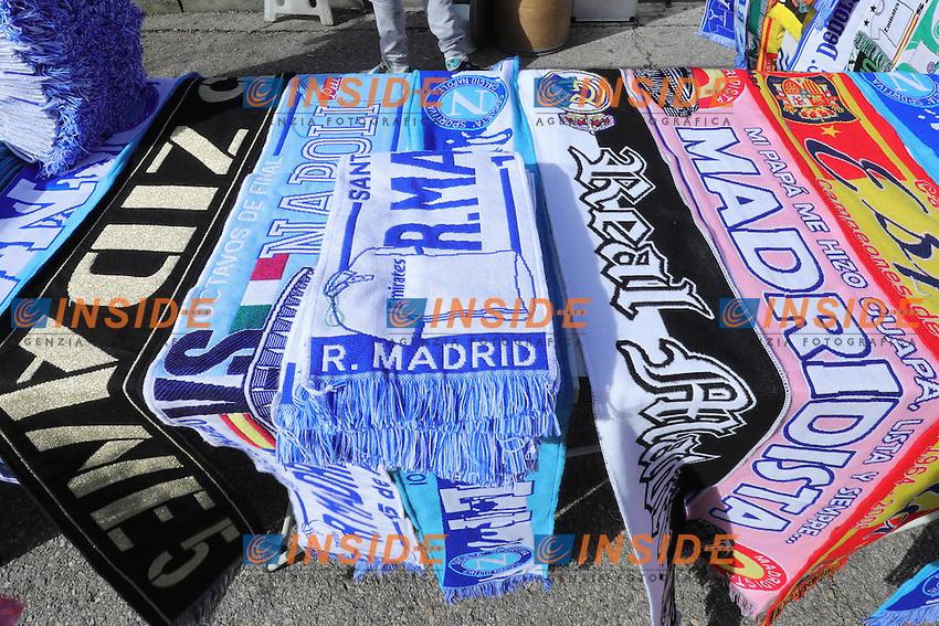 Sciarpe delle squadre.<br /> Team scarfs  <br /> Madrid 15-02-2017 Stadio Santiago Bernabeu <br /> Football Calcio UEFA Champions League 2016/2017 <br /> Ottavi di Finale, andata - Round of 16, 1st leg<br /> Real Madrid - Napoli <br /> Foto Cesare Purini / Insidefoto