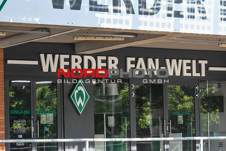24.06.2020, wohninvest Weserstadion Trainingsplatz, Bremen, GER, 1. FBL, Training SV Werder Bremen, <br /> <br /> im Bild<br /> Werder Fan-Welt. Feature, Symbol, Symbolfoto, charakteristisch, Detail.<br /> <br /> Foto © nordphoto / Paetzel