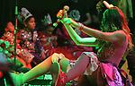 Veracruz, Veracruz, México .- Durante el primer día del Carnaval de Veracruz se presentó el grupo juvenil EME 15 integrado por Paulina Gotto, Eleazar Gómez, Natasha Dupeyrón, Yago Muñoz, Macarena Achaga y Jack Duarte. En medio de gritos y bailes los jóvenes cautivaron al público jarocho. 6 febrero del 2013..... (©KoralCarballo/NortePhoto)