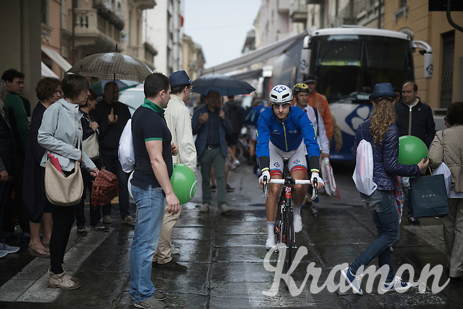 Ignatas Konovalovas (LIT/FDJ) making his way through the crowd to the start<br /> <br /> stage 21: Cuneo - Torino 163km<br /> 99th Giro d'Italia 2016