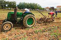 Ancien tracteur