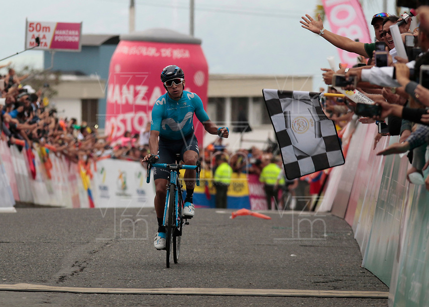 MANIZALES - COLOMBIA - 11 - 02 - 2018: Dayer Quintana  ciclista colombiano, del Equipo Movistar, gana la 6ª etapa de la Colombia Oro y Paz UCI 2.1 que se corrió entre las ciudades de Armenia y Manizales con una distancia de 187,7 kms. / Dayer Quintana Colombian cyclist, of the Movistar Team, wins the 6th stage of the Colombia Oro y Paz UCI 2.1 that was run between the cities of Armenia and Manizales with a distance of 187.7 kms. Photo: VizzorImage /Santiago Osorio /Cont.