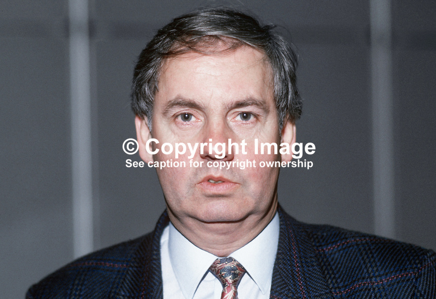 Denzil Davies, MP, Labour Party, UK, 19870926DD.<br /> <br /> Copyright Image from Victor Patterson, 54 Dorchester Park, Belfast, UK, BT9 6RJ<br /> <br /> t1: +44 28 9066 1296 (from Rep of Ireland 048 9066 1296)<br /> t2: +44 28 9002 2446 (from Rep of Ireland 048 9002 2446)<br /> m: +44 7802 353836<br /> <br /> e1: victorpatterson@me.com<br /> e2: victorpatterson@gmail.com<br /> <br /> The use of any of my copyright images is subject to my Terms &amp; Conditions.<br /> <br /> It is IMPORTANT that you familiarise yourself with them. They are available on my website, victorpatterson.com.<br /> <br /> None of my copyright images may be used on the Internet unless they are visibly watermarked, i.e. &copy; Victor Patterson within the body of the image. Metadata denoting my copyright must NOT be deleted. <br /> <br /> Web use is extra at currently recommended NUJ rates.