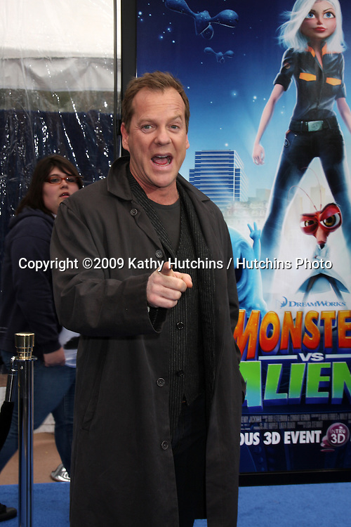 """Kiefer Sutherland  arriving at the Los Angeles Premiere of """"Monsters Vs. Aliens"""" at Gibson Ampitheatre in Universal City, CA on  March 22,  2009 .©2009 Kathy Hutchins / Hutchins Photo...                ."""