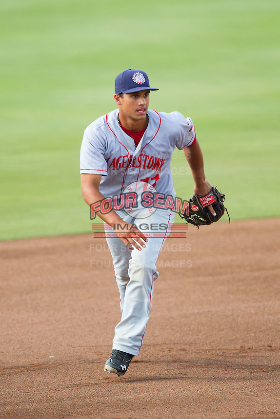 Hagerstown Suns third baseman Drew Ward (11) on defense against the Kannapolis Intimidators at CMC-Northeast Stadium on May 31, 2014 in Kannapolis, North Carolina.  The Intimidators defeated the Suns 3-2 in game one of a double-header.  (Brian Westerholt/Four Seam Images)