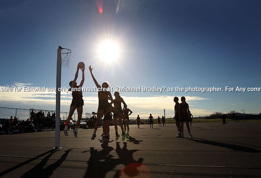 15.07.2010 Hamilton City v Southland - Under 17 National Netball Champs held at Papakura Netball Centre in Auckland. Mandatory Photo Credit ©Michael Bradley.