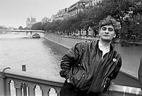 """- Francesco Berardi, called """"Bifo,"""" leader of Bologna leftist groups in the 1977 and of """"Radio Alice"""" broadcasting station  political refugee in Paris (June 1987)....- Francesco Berardi, detto """"Bifo"""", leader dei gruppi di sinistra di Bologna nel 1977 e dell'emittente radiofonica """"Radio Alice"""" rifugiato politico a Parigi (giugno 1987)"""