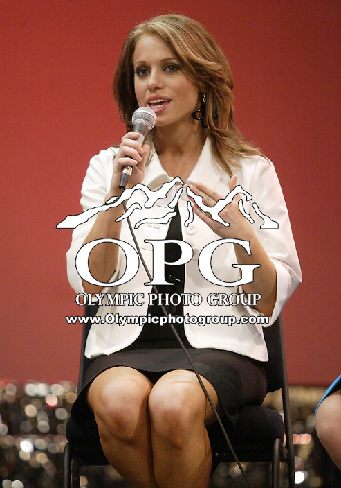 12 July, 2008:    Miss Pierce County Elizabeth Lamb-Ferro answers her on-stage interview to the judges in the on-stage interview competition during the 2008 Miss Washington pageant at the Pantages Theater in Tacoma , Washington.