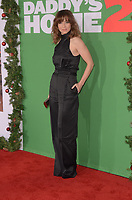 WESTWOOD, CA - NOVEMBER 5: Linda Cardellini at the premiere of Daddy's Home 2 at the Regency Village Theater in Westwood, California on November 5, 2017. <br /> CAP/MPI/DE<br /> &copy;DE/MPI/Capital Pictures