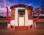 Tea Pot Dome Service Station / Zilah / Washington