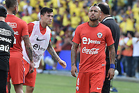 BARRANQUILLA - COLOMBIA - 10-11-2016:  Arturo Vidal jugador de Chile calienta previo partido entre Colombia y Chile por la fecha 11 de la clasificatoria a la Copa Mundial de la FIFA Rusia 2018 jugado en el estadio Metropolitano Roberto Melendez en Barranquilla./ Arturo Vidal player of Chile warm up prior the match between Colombia and Chile for the date 11 of the qualifier to FIFA World Cup Russia 2018 played at Metropolitan stadium Roberto Melendez in Barranquilla. Photo: VizzorImage/ Gabriel Aponte / Staff