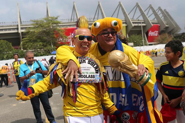 Fans de Colombia llegan al estadio para el partido contra Peru en el Estadio Metropolitano Roberto Melendez de Barranquilla el  8 de octubre de 2015.<br /> <br /> Foto: Archivolatino<br /> <br /> COPYRIGHT: Archivolatino<br /> Prohibido su uso sin autorizaci&oacute;n.