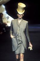 CARLA BRUNI<br /> Christian Dior<br /> 1994<br /> &copy; Guy Marineau/Catwalkpictures/TORDOIR/DALLE