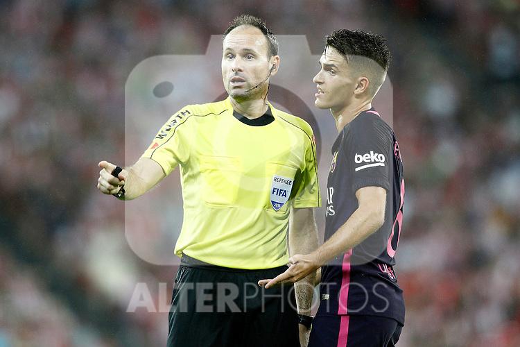 Spanish referee Mateu Lahoz have words with FC Barcelona's Denis Suarez during La Liga match. August 28,2016. (ALTERPHOTOS/Acero)