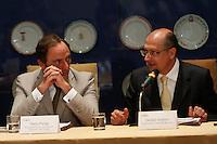 ATEN&Ccedil;&Atilde;O EDITOR: FOTO EMBARGADA PARA VE&Iacute;CULOS INTERNACIONAIS. SAO PAULO, 05 DE SETEMBRO DE 2012. SEMINARIO COOPERACAO SAO PAULO PORTUGAL. O ministro portugues de negcios estrangeiros  Paulo Portas e o governador de Sao Paulo, Geraldo Alckmin <br /> durante o Semin&aacute;rio de Coopera&ccedil;&atilde;o S&atilde;o Paulo - Portugal em Infraestrutura Urbana que aconteceu na tarde desta quarta feira no Palacio dos Bandeirantes na zona sul de S&atilde;o Paulo.<br /> FOTO ADRIANA SPACA / BRAZIL PHOTO PRESS
