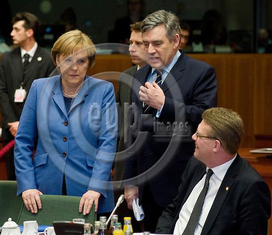 Brussels-Belgium - March 25, 2010 -- European Council, EU-summit during Spanish Presidency; here, Angela MERKEL (le), Federal Chancellor of Germany, with Gordon BROWN (ce), Prime Minister of the United Kingdom, and Matti VANHANEN (ri), Prime Minister of Finland -- Photo: Horst Wagner / eup-images