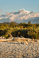 Sunset over Mount Tasman and Southern Alps from Gillespies Beach, Westland Tai Poutini National Park, West Coast, South Westland, UNESCO World Heritage Area, New Zealand, NZ