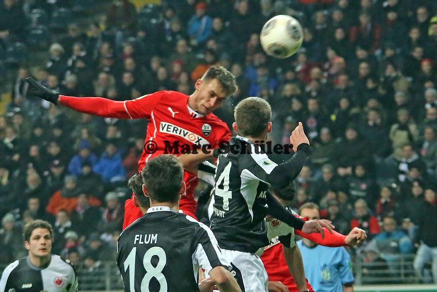 Kopfball Nico Schulz (SVS) - Eintracht Frankfurt vs. SV Sandhausen, DFB-Pokal, Commerzbank Arena