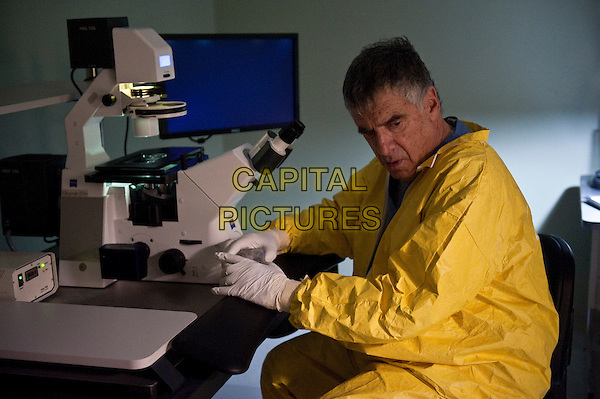 ELLIOTT GOULD.in Contagion .*Filmstill - Editorial Use Only*.CAP/FB.Supplied by Capital Pictures.