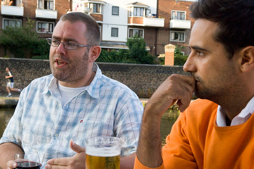 Guardian journalist Paul Lewis and freelance photographer and journalist Marc Valee are interviewed for the Journalist Magazine by NUJ legend Tim Gopsill. Both had worked together on stories for the Guardian about Policing and civil liberties.