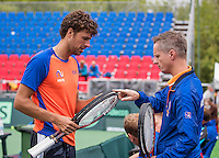 Moscow, Russia, 14 th July, 2016, Tennis,  Davis Cup Russia-Netherlands, Dutch team practise, Robin Haase (L) in consultation with stringer Ralph Pieterman<br /> Photo: Henk Koster/tennisimages.com