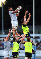 Taulupe Faletau of Bath Rugby wins the ball at a lineout. Pre-season friendly match, between Leinster Rugby and Bath Rugby on August 26, 2016 at Donnybrook Stadium in Dublin, Republic of Ireland. Photo by: Patrick Khachfe / Onside Images