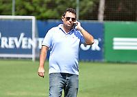 SÃO PAULO.SP. 03.04.2015 - PALMEIRAS TREINO - Alexandre Mattos diretor de futebol do Palmeiras durante o treino na Academia de Futebol zona oeste na nesta sexta feira 03.  ( Foto: Bruno Ulivieri / Brazil Photo Press )