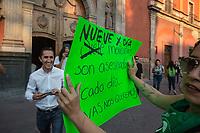 Quer&eacute;atro, Qro. 8 de marzo de 2019.- Con motivo del D&iacute;a Internacional de la Mujer se realiz&oacute; una marcha de mujeres de diferentes frentes de lucha social para exigir derechos igualitarios. La marcha inicio en la Alameda Hidalgo y concluy&oacute; en el coraz&oacute;n de la capital del estado.<br /> <br /> Foto: David Steck