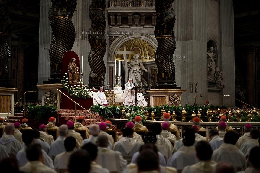Vatican City, March 24, 2016. Papa Francesco durante la celebrazione della Messa Crismale nella Basilica di San Pietro. Pope Francis celebrates a Chrism Mass in St. Peter's Basilica at the Vatican.